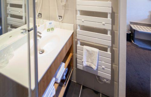 salle-de-bain-hotel-le-foch.3_f