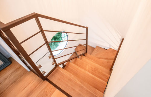 escalier en bois massif
